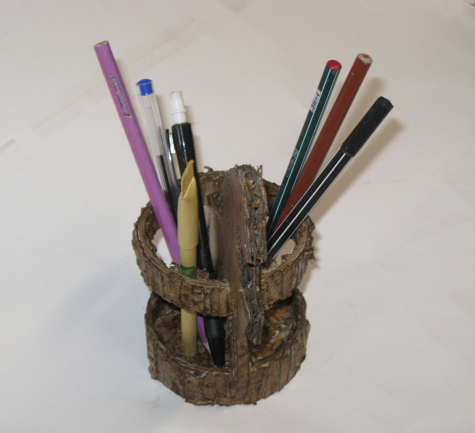 commande sur mesure - porte crayons en carton - mhc - Bourgogne - Brazey en Plaine